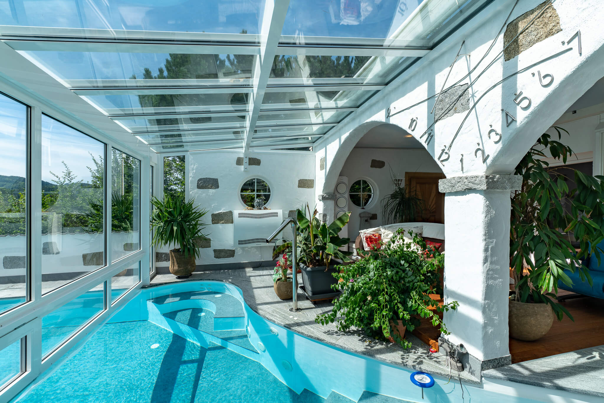 Wintergarten mit Indoor Pool